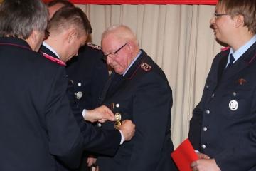 Ehrung  für 60 Jahre Mitgliedschaft: Alterskamerad Heinrich Rotermund