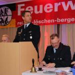 Der stellvertretende Gemeindebrandmeister Christoph Boss ist erfreut, dass dieses Jahr keine Lampe von der Decke fällt